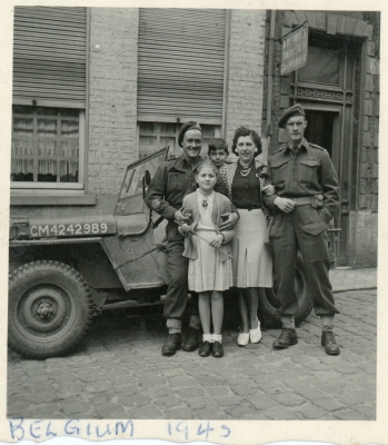 Doug Jordan (far right) in Belgium 13-9-44
